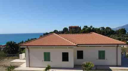 Villa nuova costruzione con vista mare