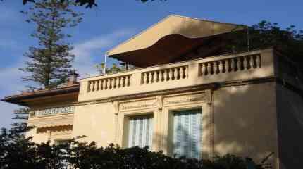 Codice:460 - Ospedaletti, appartamento in villa d'epoca con terrazza