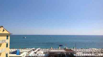 Balconata fronte mare