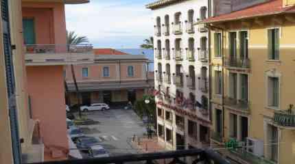Panorama dal terzo piano d'angolo