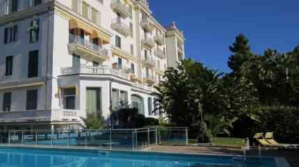 Residenza d'epoca con piscina e portineria