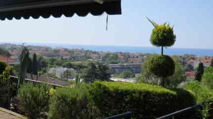 Terrazzo e giardinetto privato
