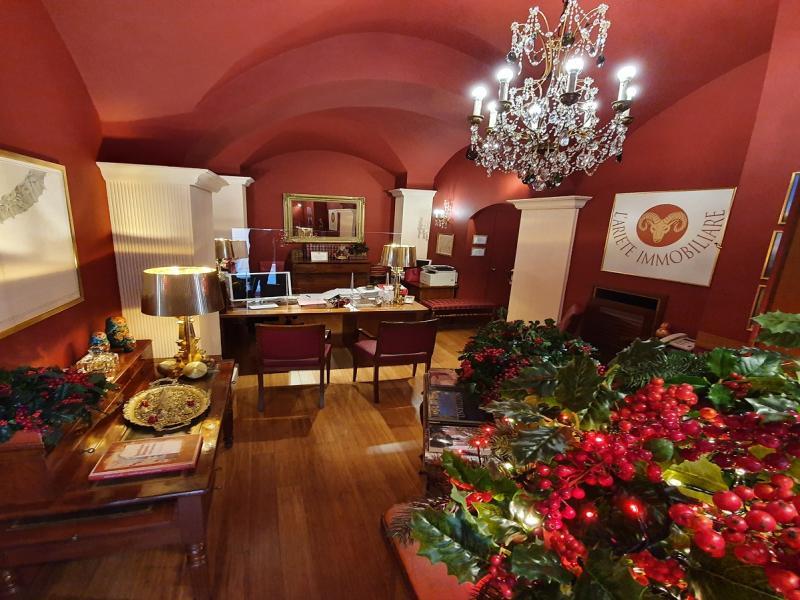Il calore e la privacy all' interno dell'agenzia immobiliare in Bordighera