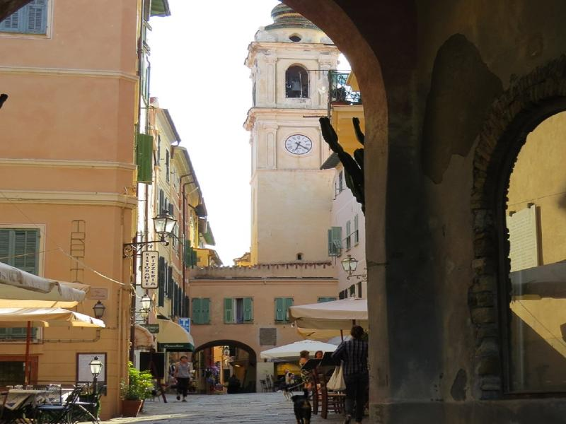 Realtà del centro storico in Piazza del Popolo
