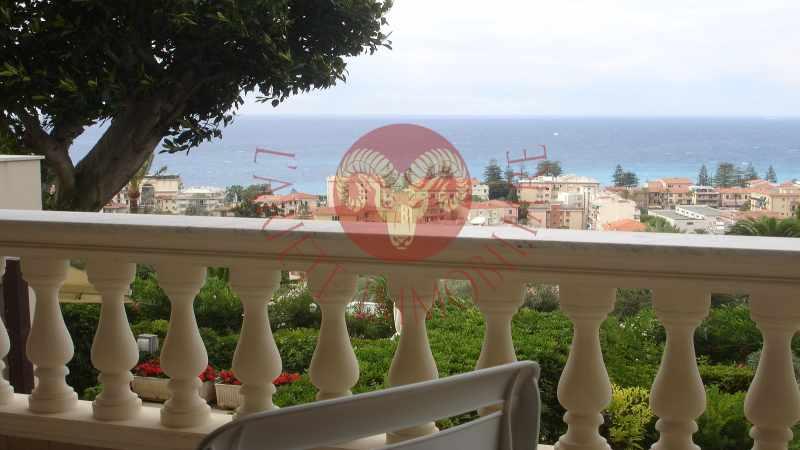 Bordighera, appartamento prestigioso con terrazza