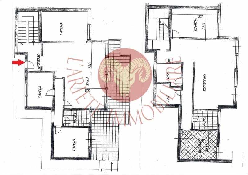 Bordighera appartamento su due livelli con giardino privato for Seminterrato su due livelli