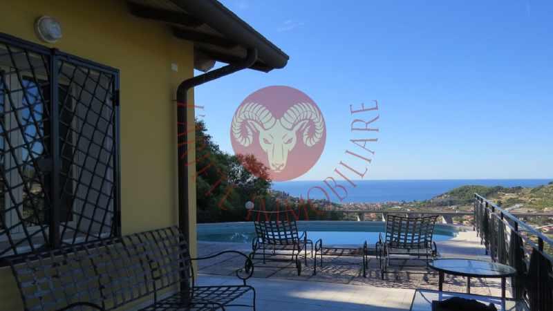 elegante il più economico sito ufficiale Bordighera, villetta con piscina e vista mare a 1 km dal centro ...